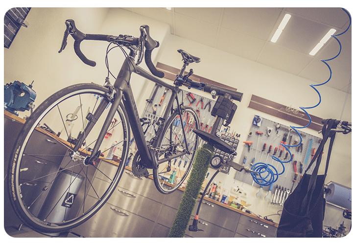 Pied d'atelier vélo dans un atelier