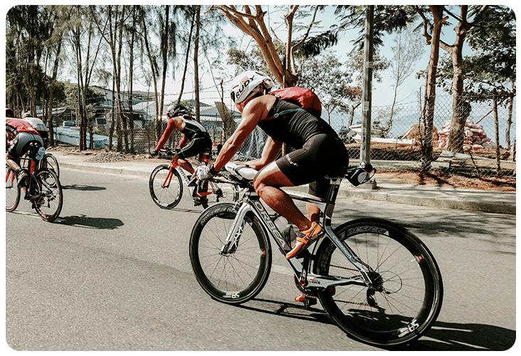 Entraînement vélo pour le triathlon