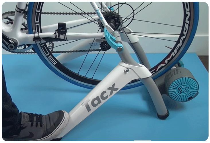 Installation d'un vélo sur le Tacx Flow Smart