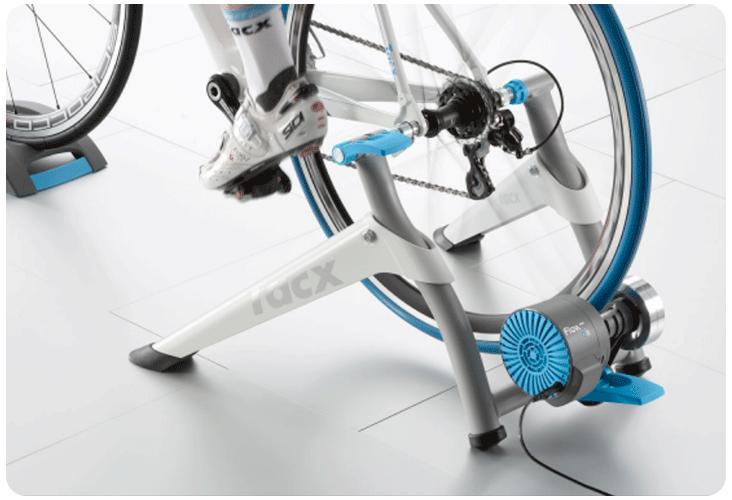Nouveau roue d'inertie et rouleau sur le Tacx Flow Smart
